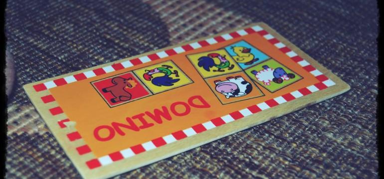 drewniane domino ze zwierzątkami dla dzieci