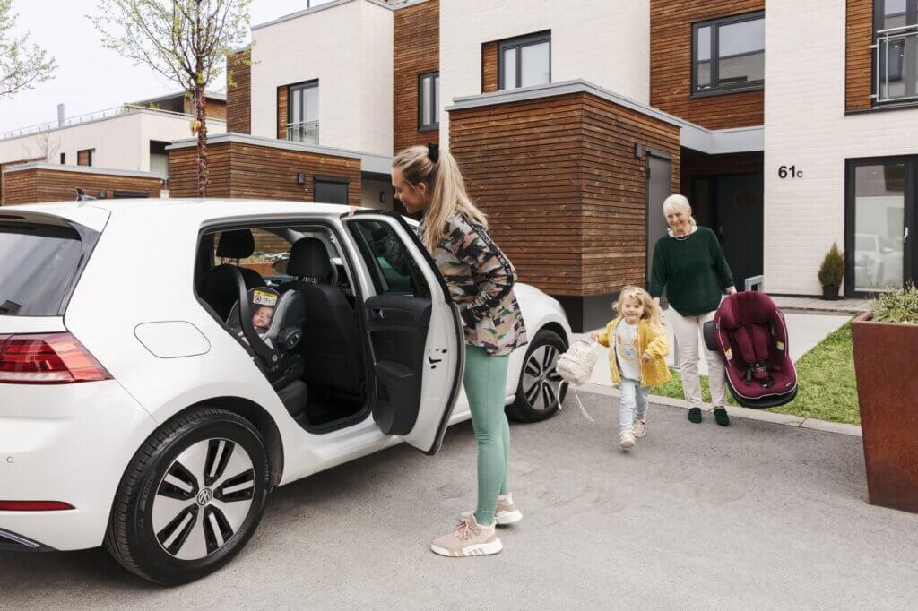 Pierwszy fotelik samochodowy dla dziecka